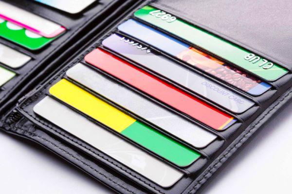 кошелёк для кредиток и дебетовых карточек